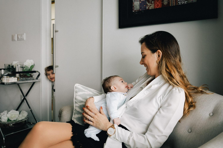 Mãe e dois bebés